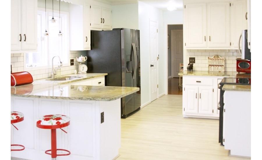 Design blogger uses quick step envique for kitchen makeover 2017 02 27 floor trends magazine - Easy steps for a kitchen makeover ...