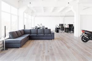 Bolefloor introduces curv8 2014 01 13 floor trends for Interieur bedrijf