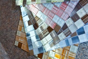 DIY Network offers glass backsplash-in-a-box With colorful glass mosaics  being the material of choice for today's kitchen backsplashes, savvy  retailers now ...